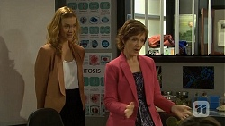 Gemma Reeves, Susan Kennedy in Neighbours Episode 6752