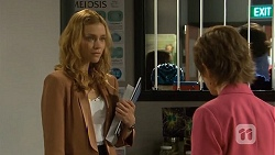 Gemma Reeves, Susan Kennedy in Neighbours Episode 6753