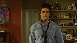 Chris Pappas in Neighbours Episode 6754
