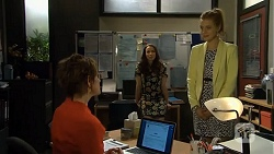 Susan Kennedy, Kate Ramsay, Gemma Reeves in Neighbours Episode 6756