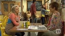 Lauren Turner, Susan Kennedy in Neighbours Episode 6758