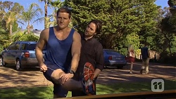 Matt Turner, Brad Willis in Neighbours Episode 6758