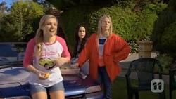 Georgia Brooks, Imogen Willis, Lauren Turner in Neighbours Episode 6764