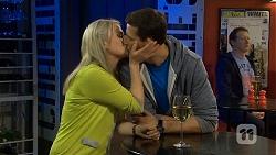 Lauren Turner, Matt Turner in Neighbours Episode 6767