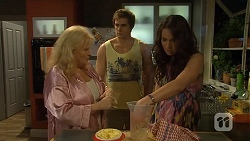 Sheila Canning, Kyle Canning, Kate Ramsay in Neighbours Episode 6771