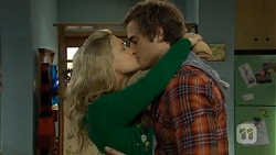 Georgia Brooks, Kyle Canning in Neighbours Episode 6771