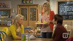 Lauren Turner, Amber Turner, Bailey Turner in Neighbours Episode 6771