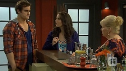 Kyle Canning, Kate Ramsay, Sheila Canning in Neighbours Episode 6771