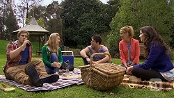 Kyle Canning, Georgia Brooks, Chris Pappas, Gemma Reeves, Kate Ramsay in Neighbours Episode 6771