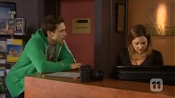 Josh Willis, Terese Willis in Neighbours Episode 6772