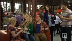 Sheila Canning, Toadie Rebecchi, Georgia Brooks, Kyle Canning, Gemma Reeves, Kate Ramsay, Chris Pappas in Neighbours Episode 6772