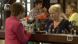 Susan Kennedy, Sheila Canning in Neighbours Episode 6774