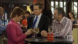 Susan Kennedy, Paul Robinson, Karl Kennedy in Neighbours Episode 6776