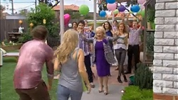 Kyle Canning, Georgia Brooks, Chris Pappas, Sheila Canning, Kate Ramsay, Gemma Reeves, Toadie Rebecchi in Neighbours Episode 6780