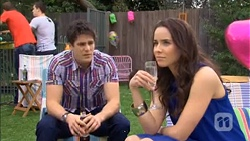 Chris Pappas, Kate Ramsay in Neighbours Episode 6780