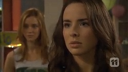 Gemma Reeves, Kate Ramsay in Neighbours Episode 6780