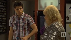 Chris Pappas, Sheila Canning in Neighbours Episode 6781