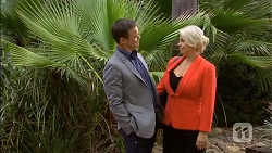 Paul Robinson, Lucy Robinson in Neighbours Episode 6789