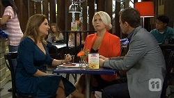 Terese Willis, Lucy Robinson, Paul Robinson in Neighbours Episode 6789