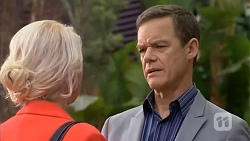 Lucy Robinson, Paul Robinson in Neighbours Episode 6789