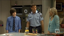 Bailey Turner, Matt Turner, Lauren Turner in Neighbours Episode 6790