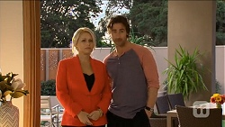 Lucy Robinson, Brad Willis in Neighbours Episode 6790