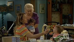 Sonya Mitchell, Sheila Canning, Elliott Holmes, Nell Rebecchi in Neighbours Episode 6790