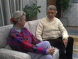 Helen Daniels, Clarrie McLachlan in Neighbours Episode 1268