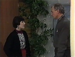 Kerry Bishop, Jim Robinson in Neighbours Episode 1269
