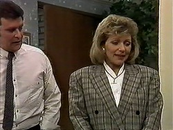 Des Clarke, Beverly Marshall in Neighbours Episode 1271