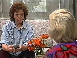 Pam Willis, Helen Daniels in Neighbours Episode 1272