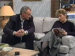 Jim Robinson, Beverly Robinson in Neighbours Episode 1273