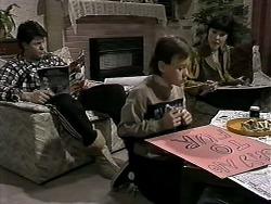 Joe Mangel, Toby Mangel, Kerry Bishop in Neighbours Episode 1276