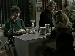 Pam Willis, Doug Willis, Melanie Pearson in Neighbours Episode 1276