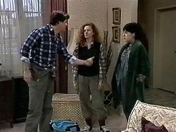 Joe Mangel, Amber Martin, Kerry Bishop in Neighbours Episode 1277