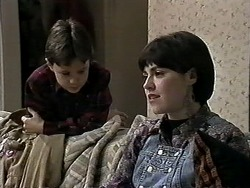 Toby Mangel, Kerry Bishop in Neighbours Episode 1277