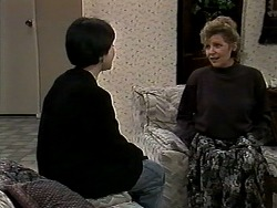 Kerry Bishop, Beverly Marshall in Neighbours Episode 1280