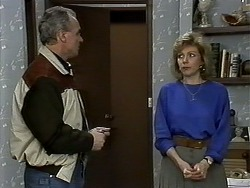 Jim Robinson, Beverly Marshall in Neighbours Episode 1280