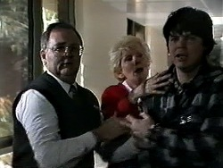Harold Bishop, Madge Bishop, Joe Mangel in Neighbours Episode 1286