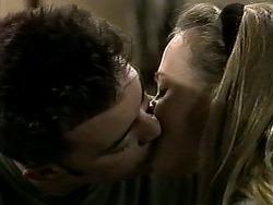 Matt Robinson, Gemma Ramsay in Neighbours Episode 1288