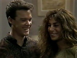 Paul Robinson, Isabella Lopez in Neighbours Episode 1289