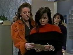 Melanie Pearson, Caroline Alessi, Christina Alessi in Neighbours Episode 1290