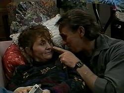 Pam Willis, Doug Willis in Neighbours Episode 1290