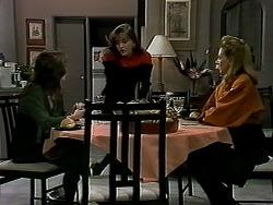 Christina Alessi, Caroline Alessi, Melanie Pearson in Neighbours Episode 1290