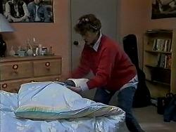 Pam Willis in Neighbours Episode 1290