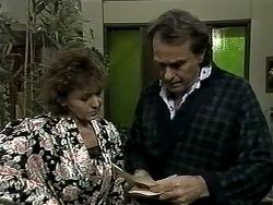 Pam Willis, Doug Willis in Neighbours Episode 1292