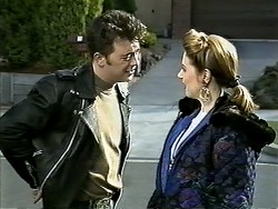 Matt Robinson, Melanie Pearson in Neighbours Episode 1294