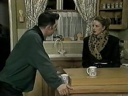 Matt Robinson, Melanie Pearson in Neighbours Episode 1295