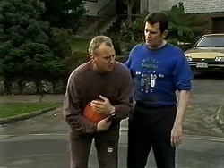 Jim Robinson, Des Clarke in Neighbours Episode 1296