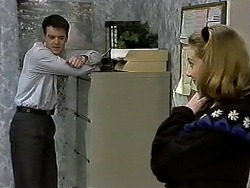 Paul Robinson, Melanie Pearson in Neighbours Episode 1298